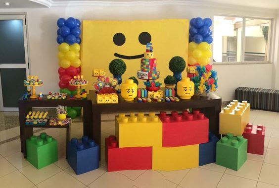 Trang trí bàn sinh nhật LEGO