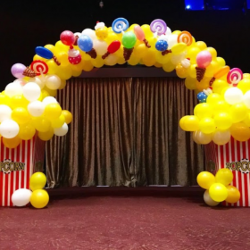 Cổng chào cầu vồng bánh kẹo