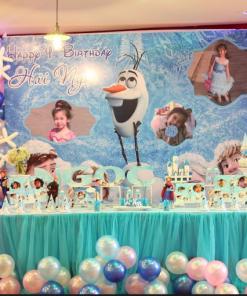 Trang trí bàn quà sinh nhật người tuyết