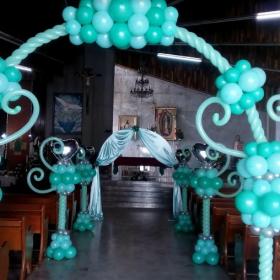 Đường dẫn tiệc cưới cổng mây