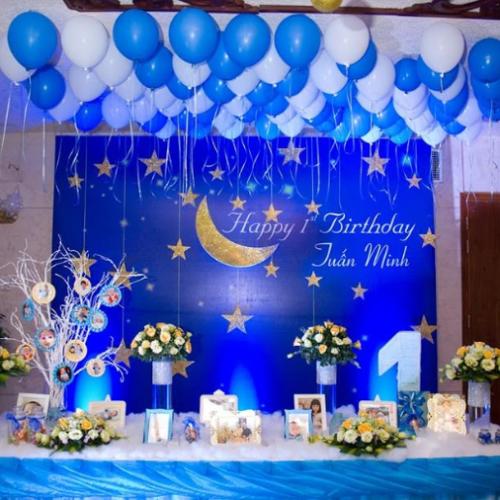 Trang trí bàn tiệc sinh nhật đêm trăng