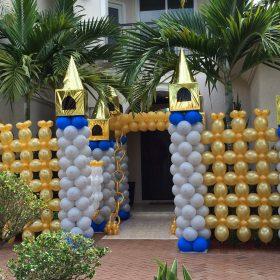 Cổng lâu đài bong bóng