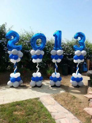 Trang trí trụ bong bóng cho lễ tổng kết năm 2013.