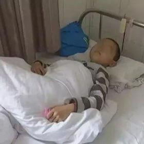 Cậu bé 7 tuổi bị ung thư dạ dày giai đoạn cuối, bác sĩ chỉ ra 4 thói quen xấu trong ăn uống mà nhiều gia đình mắc phải