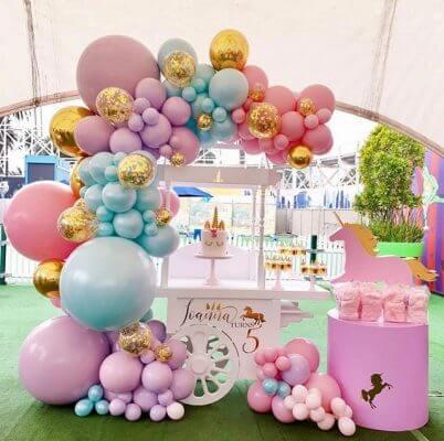 Tiệc sự kiện sinh nhật mang lại nhỏ xíu rộp gái 1 tuổi theo chủ đề công chúa