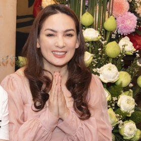 Phi Nhung hạnh phúc đón sinh nhật tuổi 49 | Giải trí
